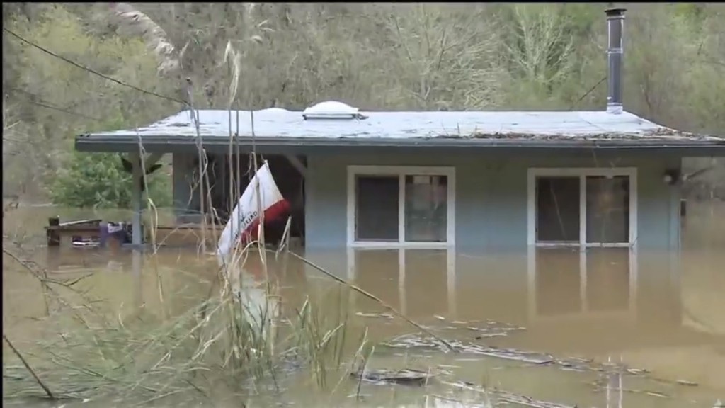 Russian River flooding turns California town into island