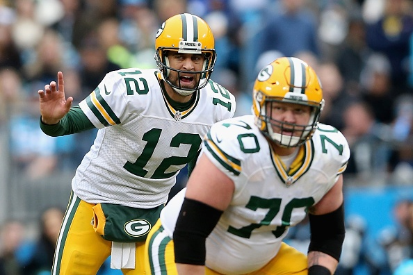 Aaron Rodgers gets 'scared' and makes un-Rodgers-like mistake on late interception