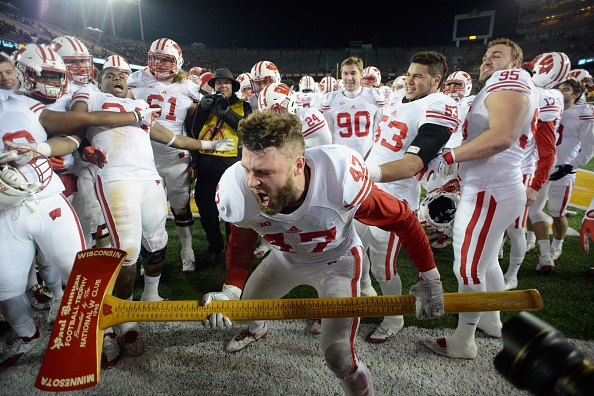 Wisconsin beats Minnesota for 12th straight time, 31-21