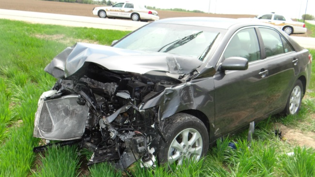 Mother, child injured in two-car crash in Dodge County