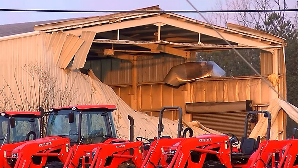 Northern Alabama blasted by tornadoes