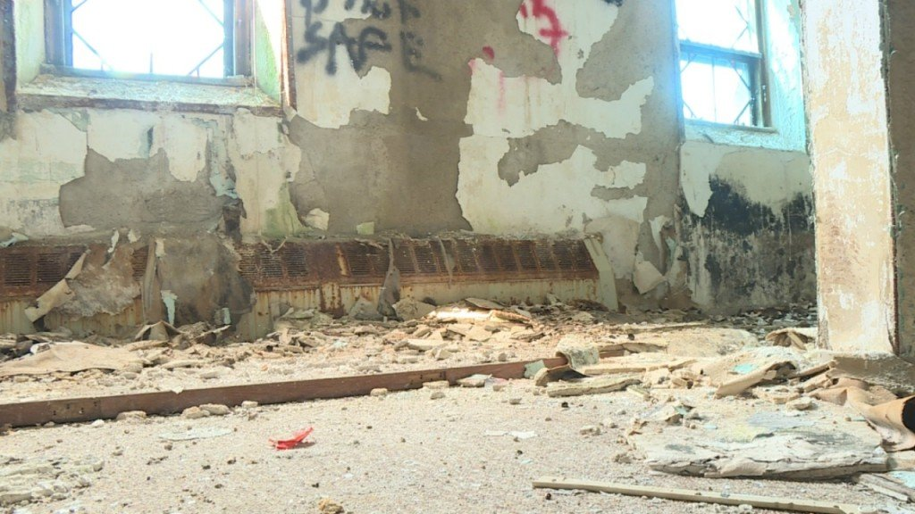 Old Ringling hospital causes major headache for Baraboo police