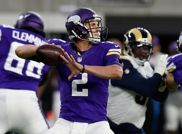 Stave starts, gets hurt as Vikings beat Rams 27-25 in preseason finale