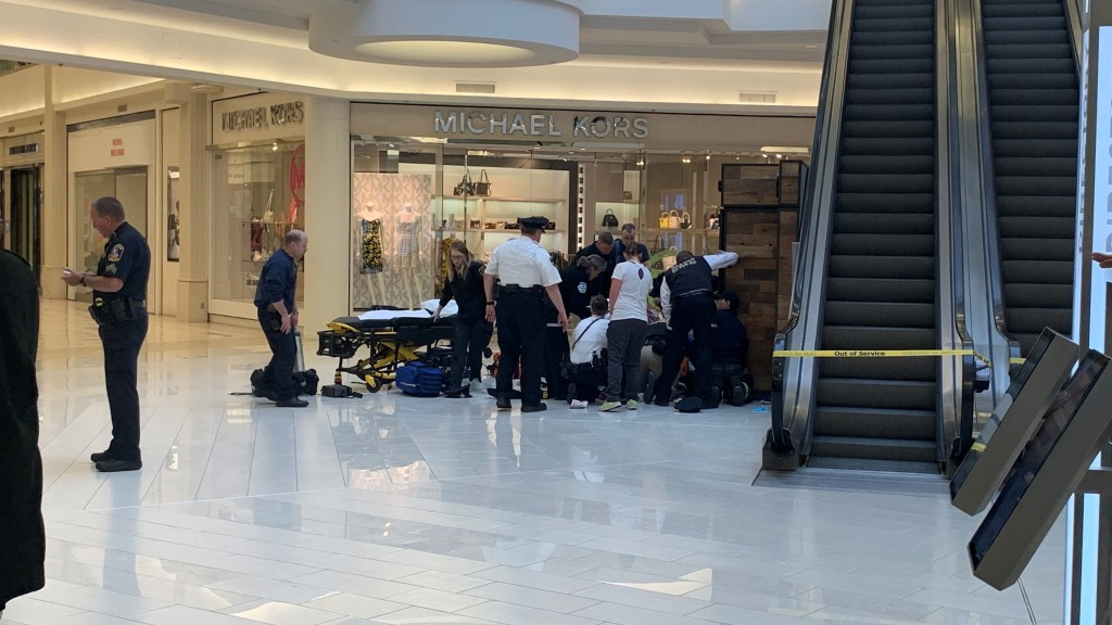5-year-old thrown off Mall of America balcony showing 'real signs of recovery'
