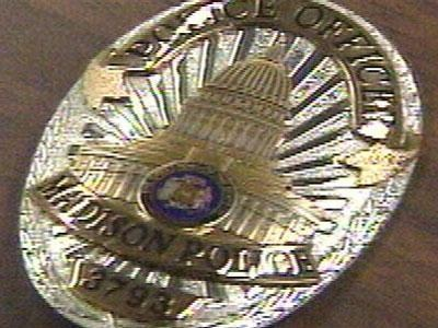Police: Off-duty officer pins shoplifter