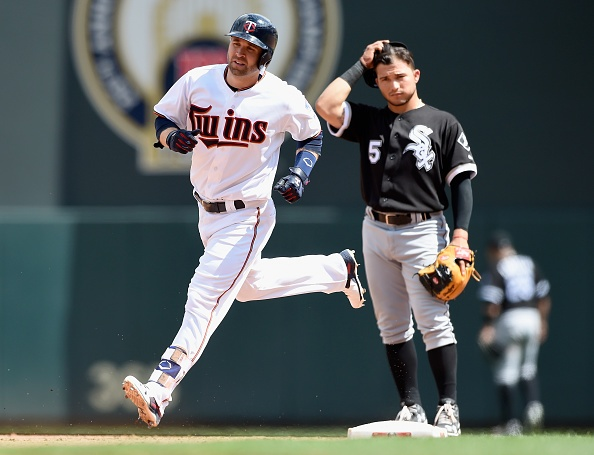 Dozier homers twice as Twins beat White Sox