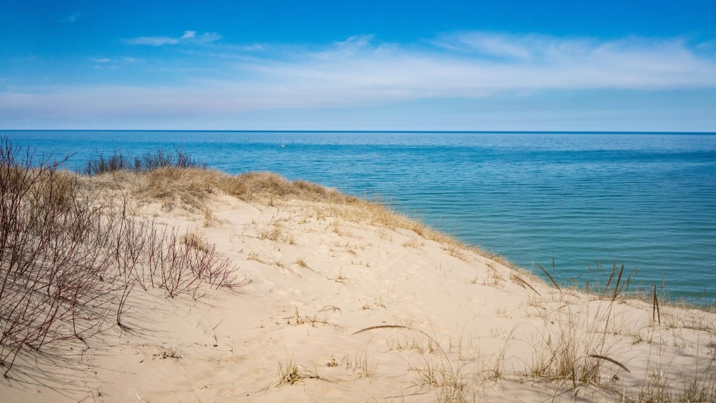 Chemical spill near Lake Michigan leaves hundreds of fish dead