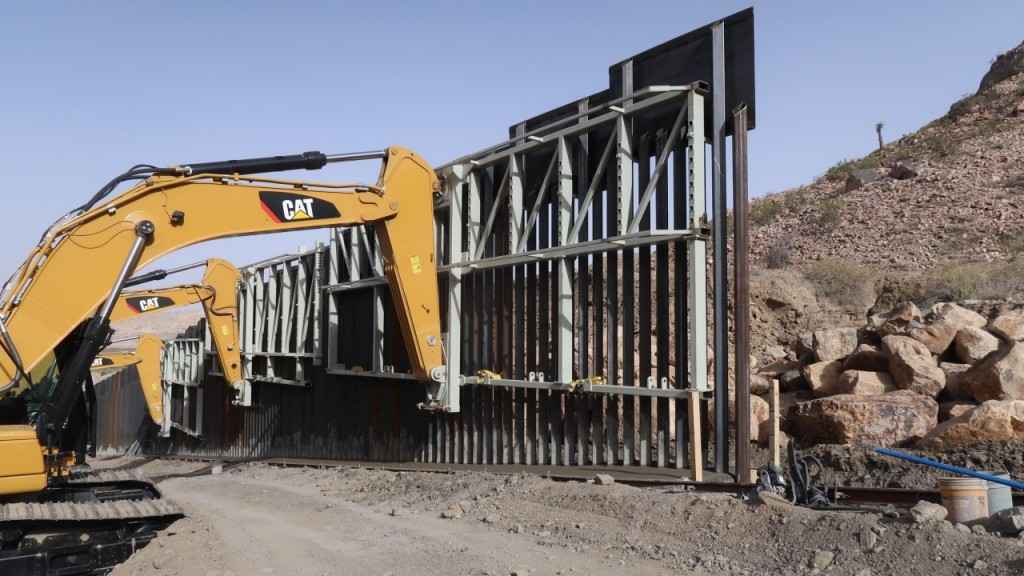 Trump administration notifies owners it will survey land for border wall