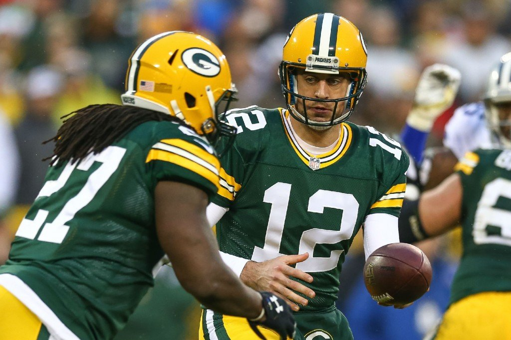 Lacy, Starks lead Packers past Cowboys 28-7