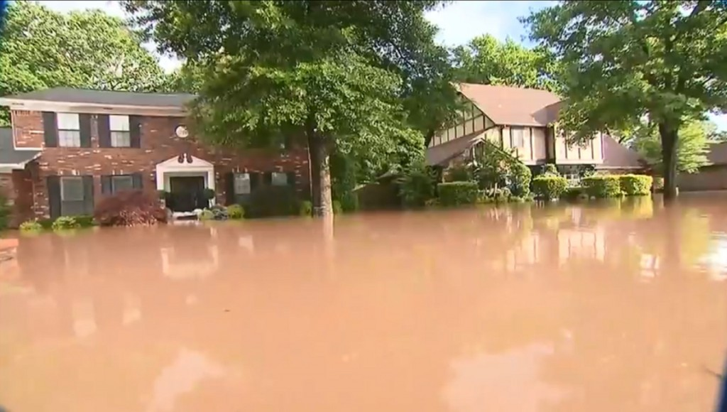 Historic flooding breaches levees in Midwest