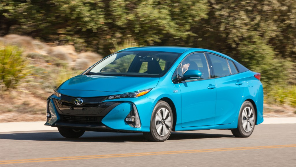 10 cars with the best gas mileage