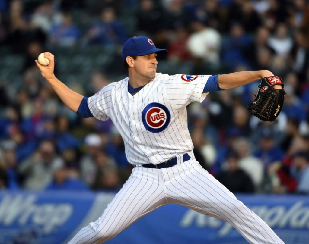 Hendricks helps Cubs beat the Brewers
