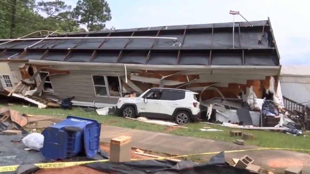 100 million people face severe weather while states pummeled by tornadoes brace for more