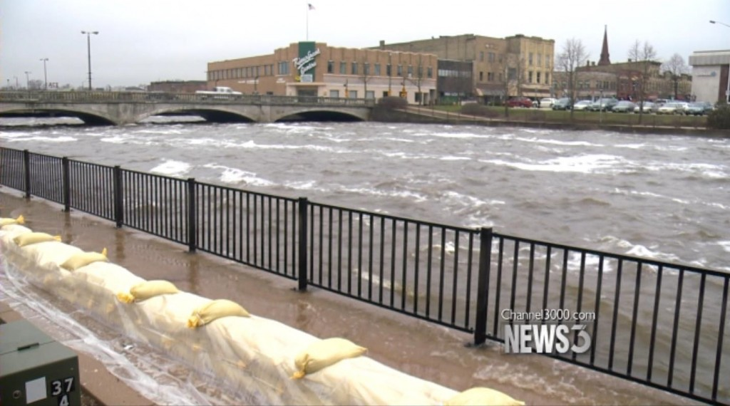 Janesville preps as Rock River expected to climb to 12 feet