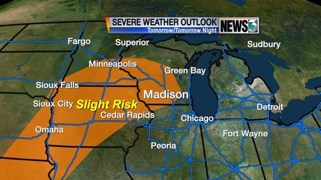 Unusual strong storm front threatens Midwest