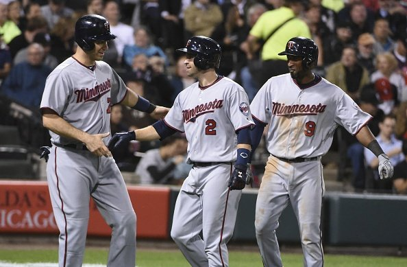 MLB roundup: Dozier's two HR's help Twins shut out White Sox