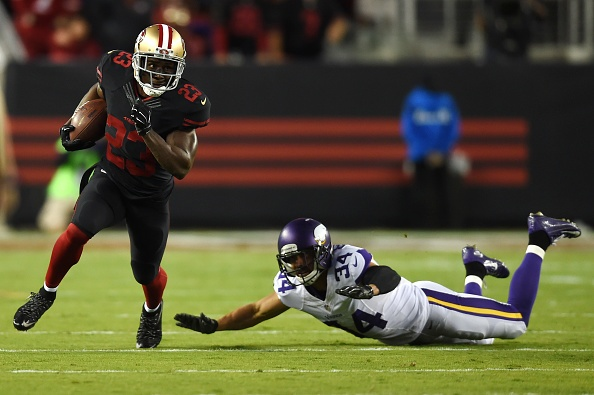Carlos Hyde runs for two touchdowns, 49ers top Vikings 20-3