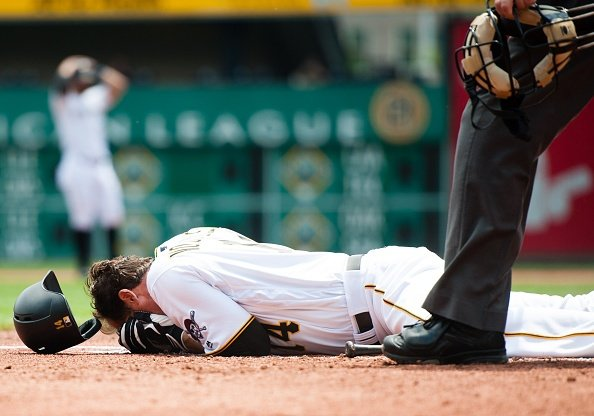 Pirates' Vogelsong has facial surgery to repair fractures
