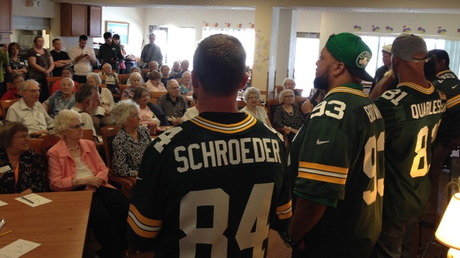 Packers players, alumni make surprise visit in Onalaska