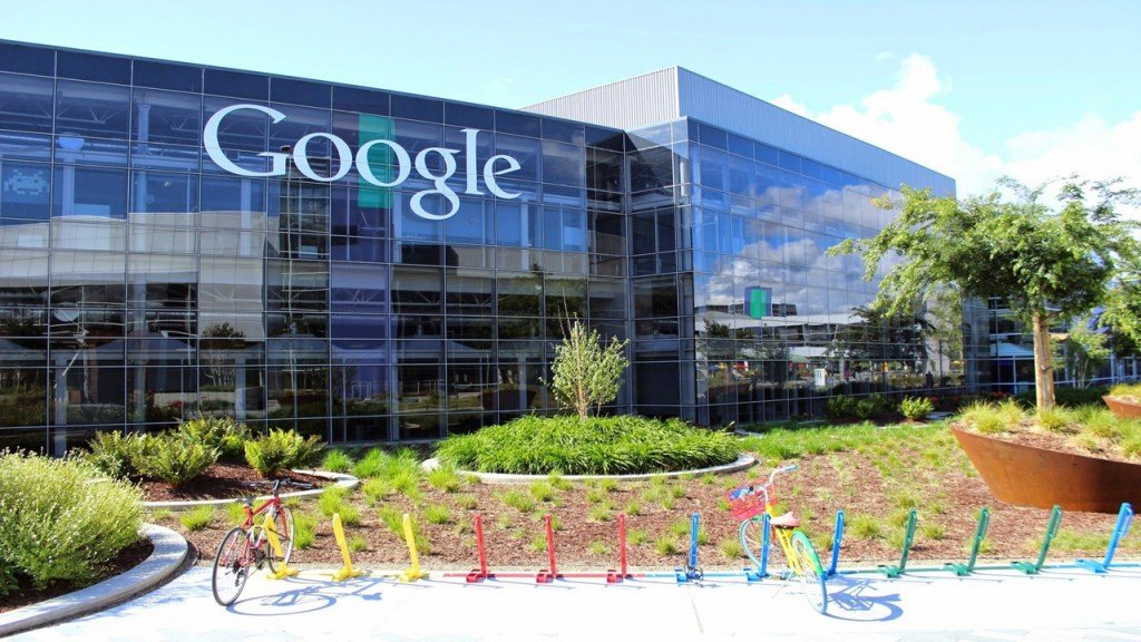 Google fights to win back advertisers