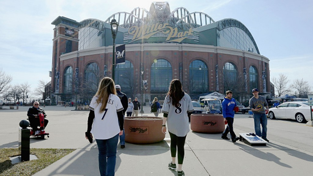 PHOTOS: Lorenzo Cain catch clinches opening day win at Miller Park