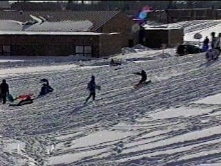 Doctors urge safety precautions for children while sledding