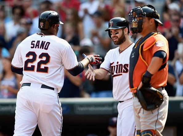 Santana sharp at home in Twins' win
