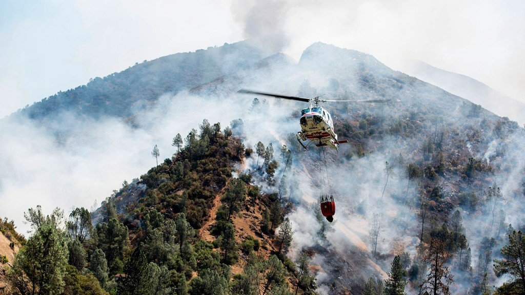 Blaze near Yosemite that killed firefighter only 5% contained