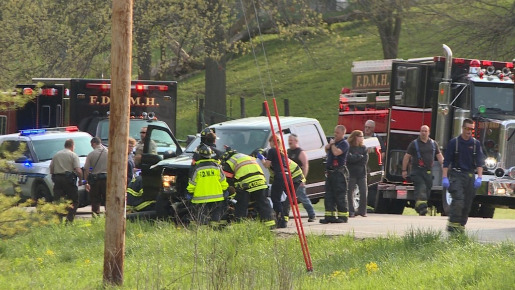 Officials respond to multi-vehicle crash in Town of Springdale