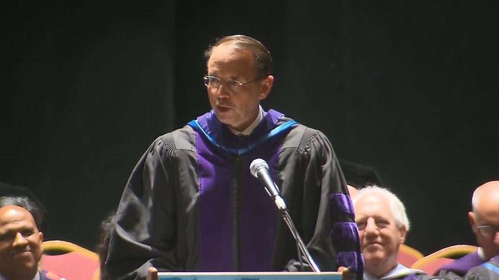 Rosenstein to graduates: Compromise 'without violating your principles'