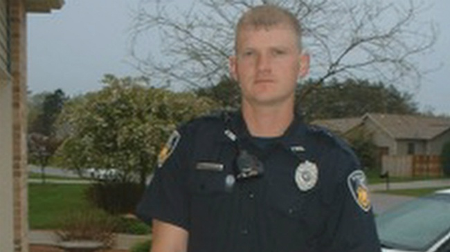Former heroic officer struggles to overcome addiction