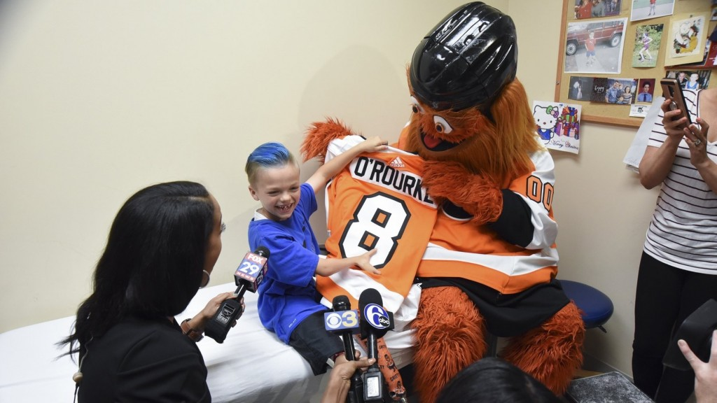 NHL mascot gives young fan custom prosthetic