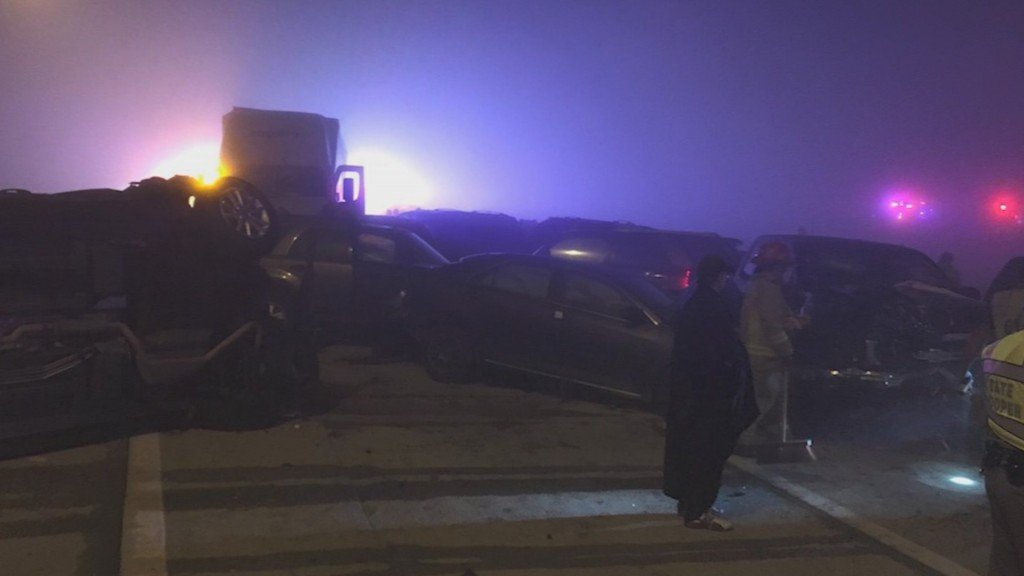 Heavy fog causes 20-plus vehicle collision in Texas