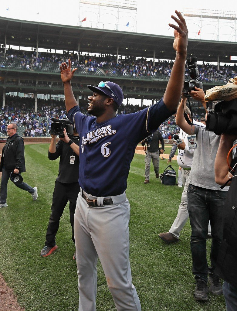PHOTOS: Brewers top Chicago Cubs 3-1 to claim NL Central title