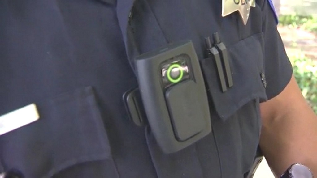 Calif. lawmakers ban facial recognition software from police body cams