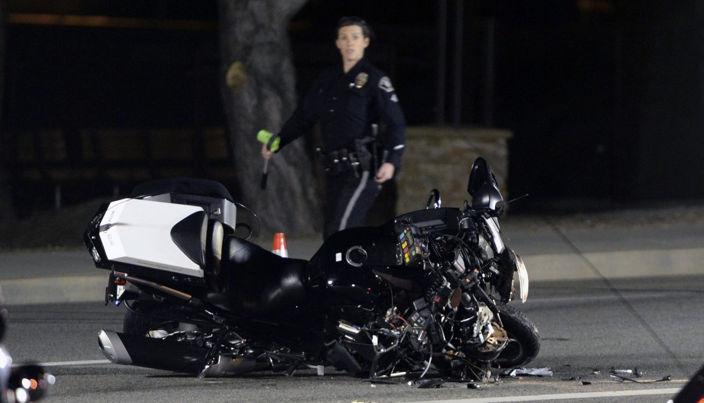 2 hurt after officer in Justin Trudeau's motorcade crashes in California