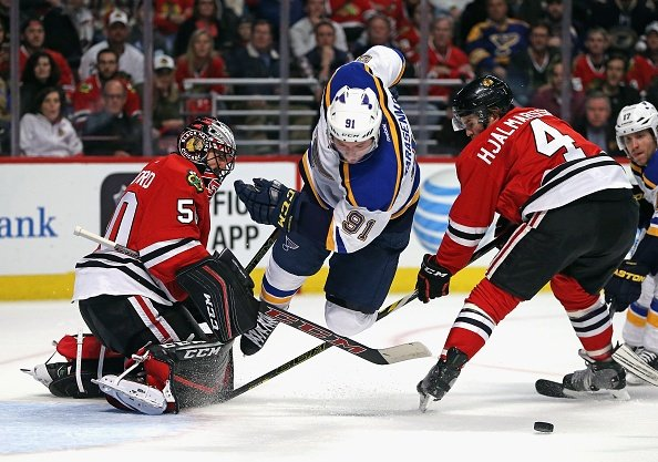 Tarasenko, St. Louis beat Chicago 4-3 in Game 4
