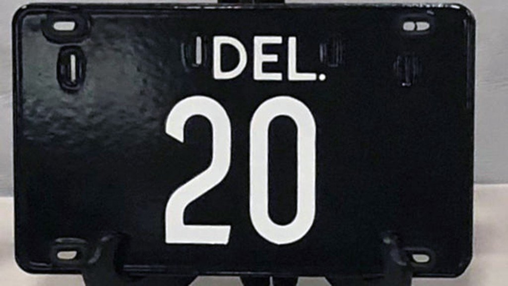 Delaware license plate sells for $410,000