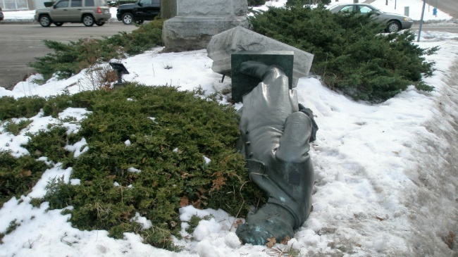Official said toppled Lincoln statue should return soon