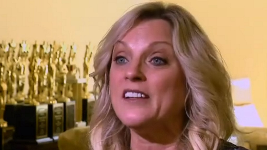 'Queen of Bluegrass' questioned by FBI after scammers strike