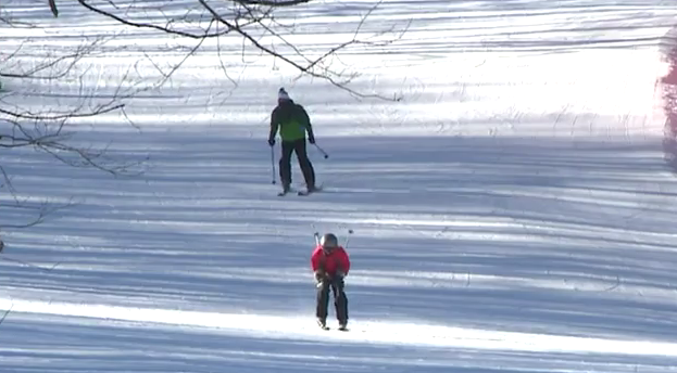Skiers, snowboarders enjoy empty slopes thanks to cold weather