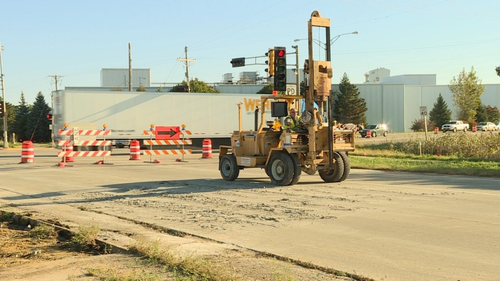 PHOTOS: Verona Road closed for 30 hours Sat.-Sun. for utility work