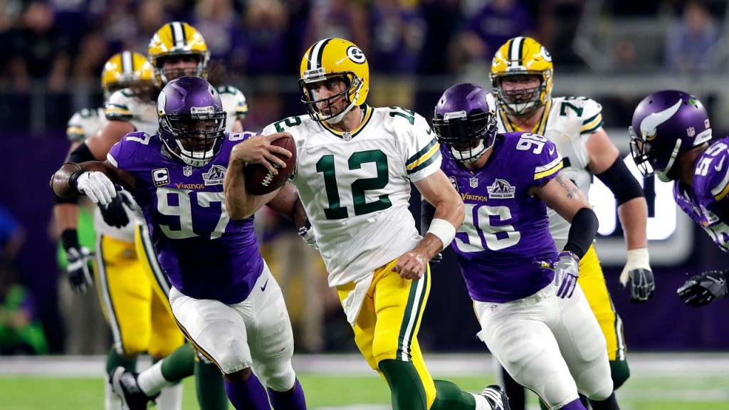 PHOTOS:  Packers lose to Vikings 17-14