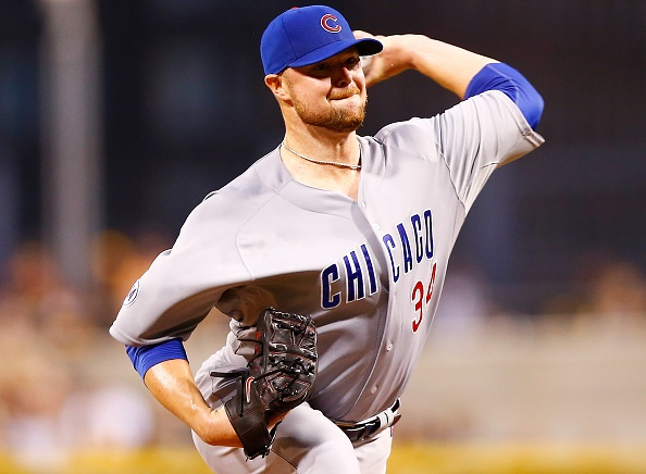 Cubs top Pirates 2-1 to earn doubleheader split