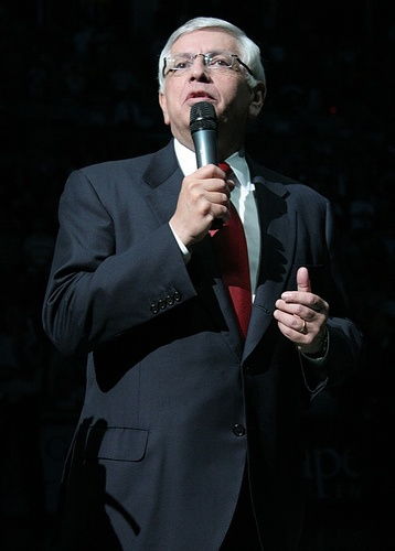 Former NBA Commissioner David Stern has surgery for brain hemorrhage