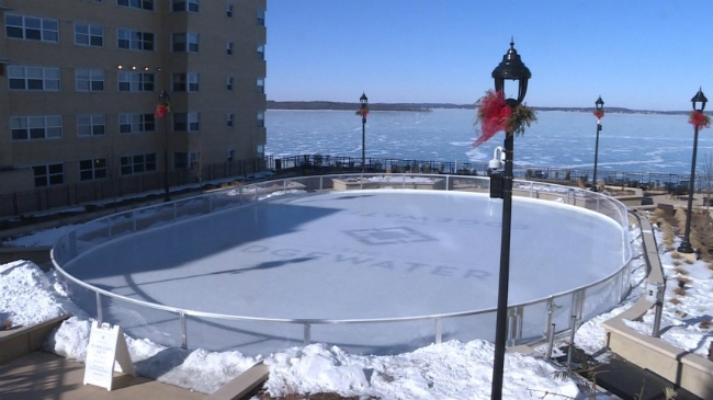 Cold weather closes Edgewater skating rink, but winter fun continues