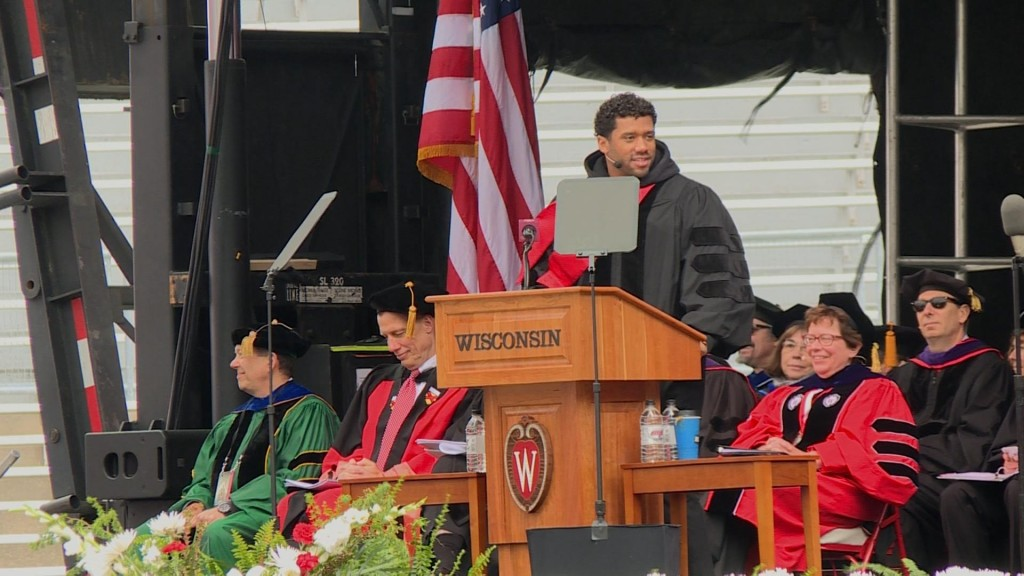 Former Badger Russell Wilson headlines UW-Madison commencement