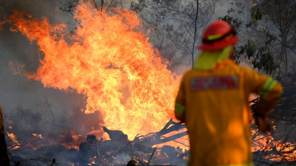 Australia on alert as 'catastrophic' fire threat looms