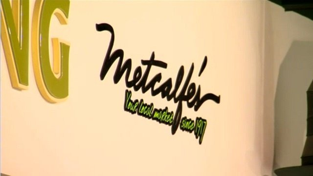 Metcalfe's, Festival Foods grocery stores clash over trademark logo