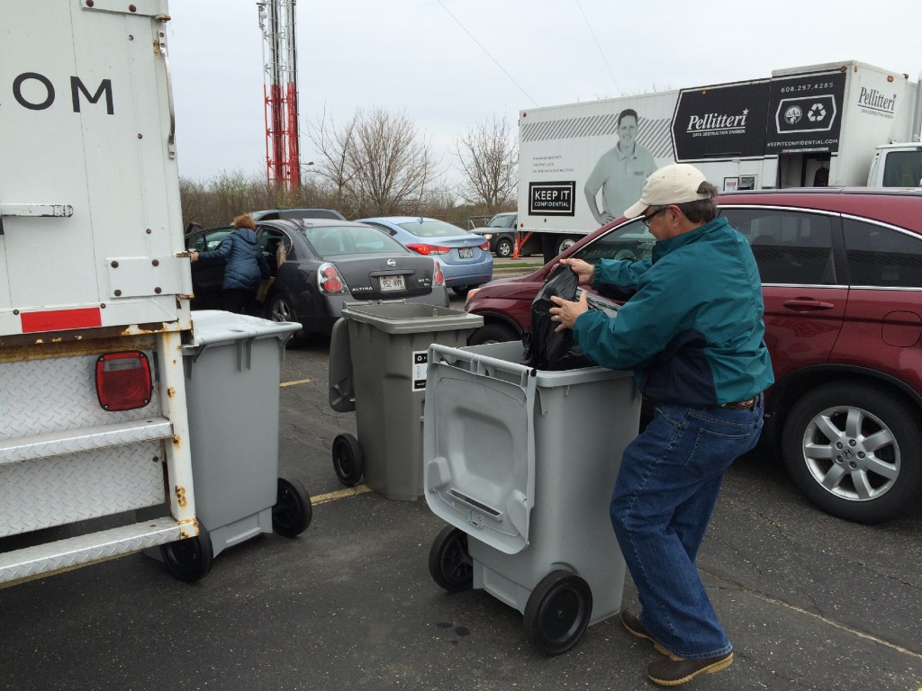 PHOTOS: Viewers drop off sensitive documents for Shredfest